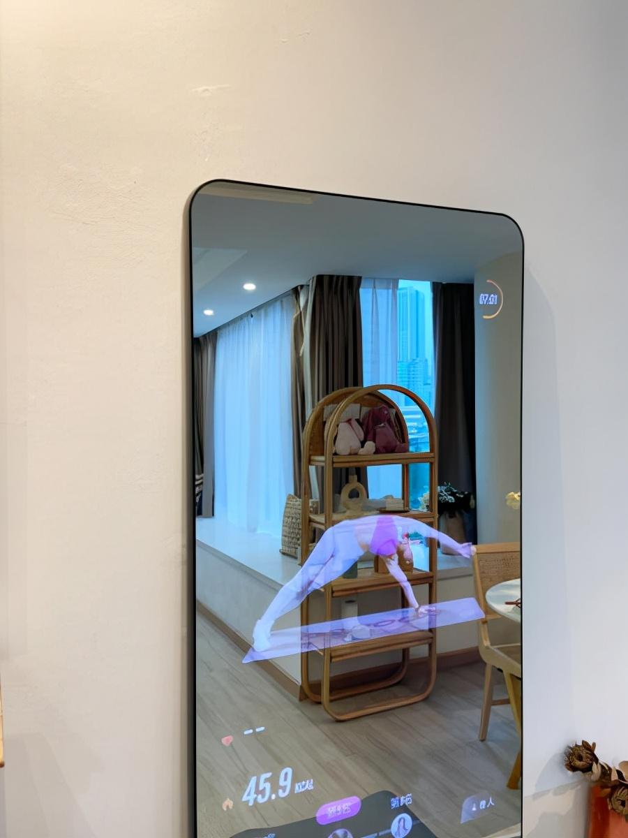 照照镜子就能健身?FITMORE魔镜使用体验