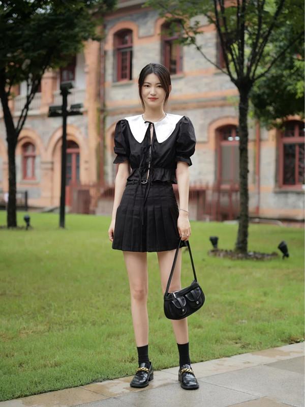 懒人福音来了,8套黑白look,最简单的配色也能让你华丽变身