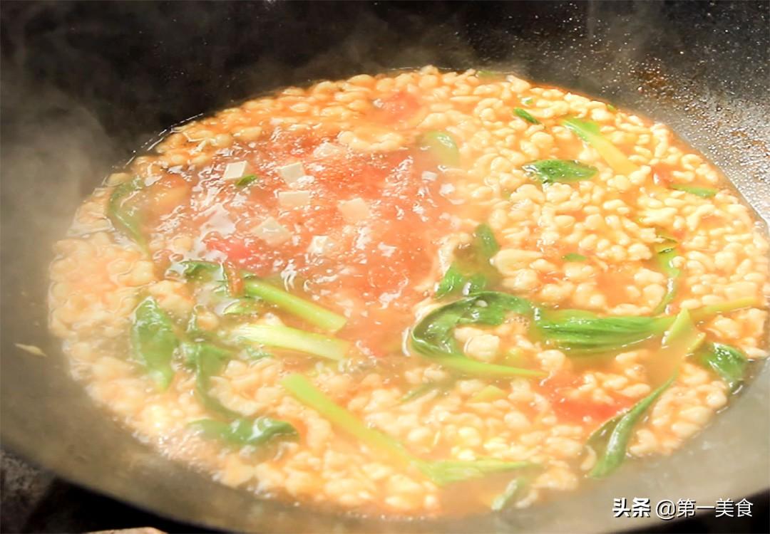 """厨师长分享河南人都爱喝的""""番茄疙瘩汤"""",口感劲道,酸甜开胃 美食做法 第9张"""