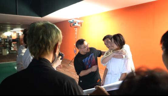 张子枫终于长大了,与吴磊贴脸拍照太有韵味,两人挺有CP感