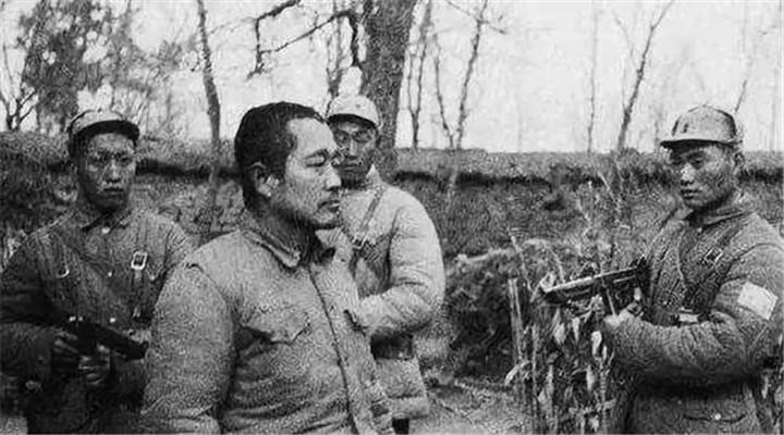 """杜聿明被俘后被""""陈主任""""审讯,他下意识地问:你是陈毅将军吗?"""