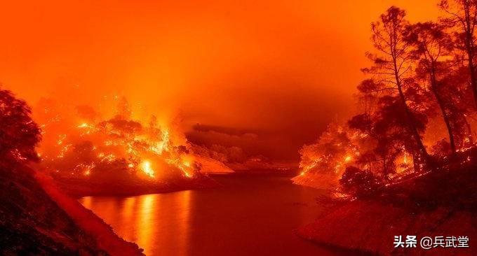 美疫情骚乱,加州山火告急,特朗普依旧高尔夫,第一夫人修白宫