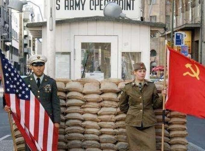 苏联间谍叛逃美国九十天,逃回苏联后又官复原职,这是为何?