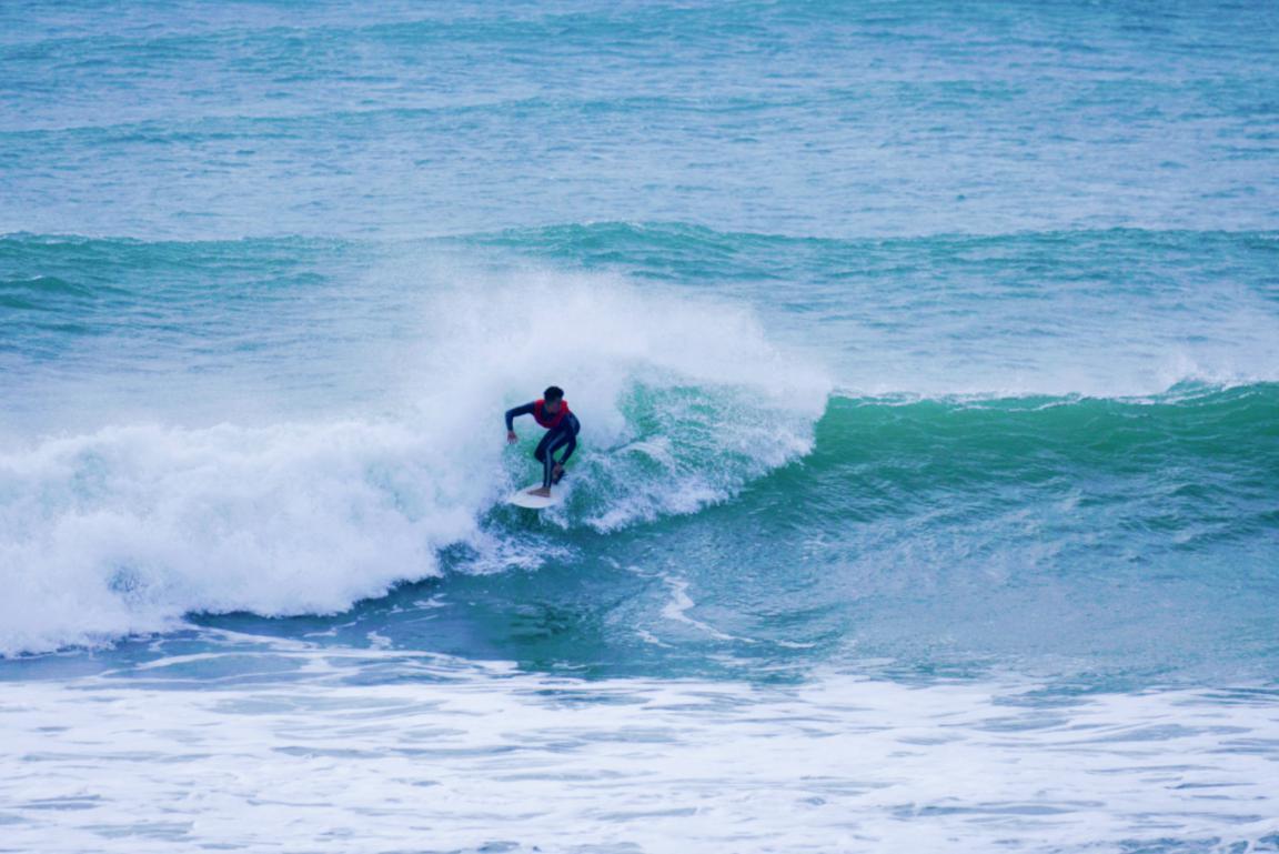 中国冲浪逐浪而上