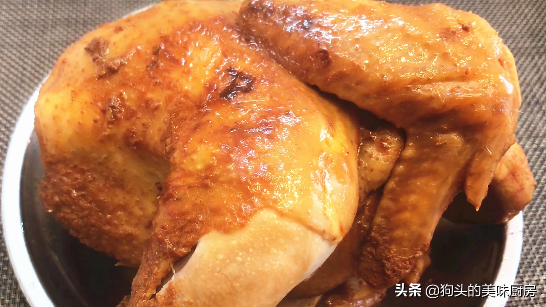 一整只鸡放入电饭煲,不加水不加油,出锅全家流口水,太香了 美食做法 第2张