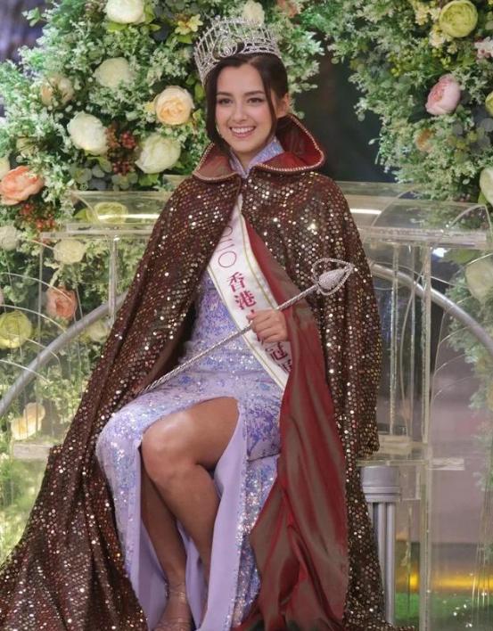 香港小姐决赛,双料港姐冠军撞脸迪丽热巴,终于不是往届的伏地魔