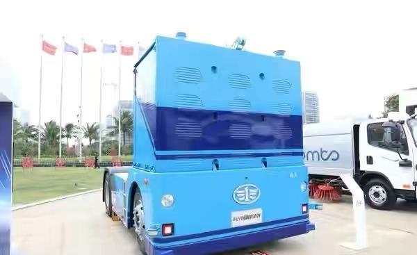 L4级无人驾驶卡车已出,卡友提问将来货运市场驾驶员会失业吗?