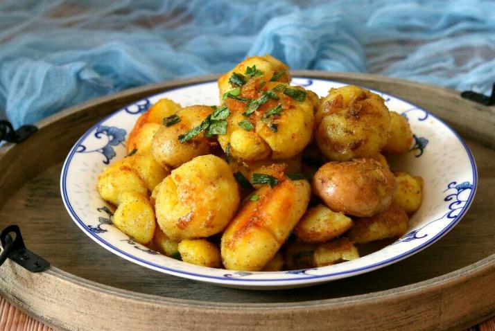 土豆最上癮的吃法,簡單易學,比肉還要香,上桌遭瘋搶