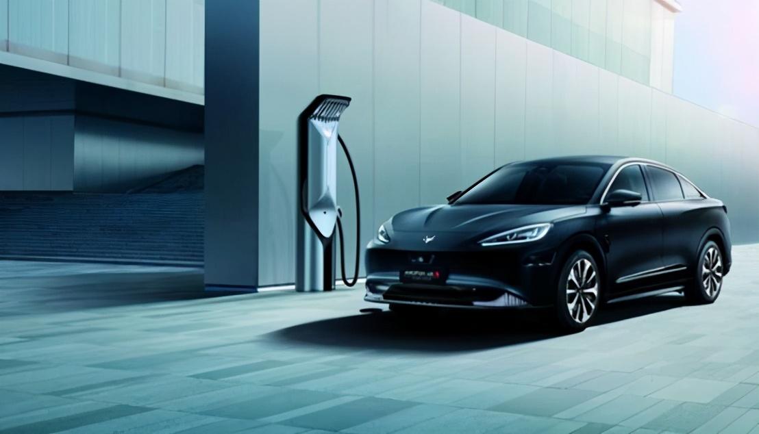 北汽极狐阿尔法S新车用华为5G 实力领先同级
