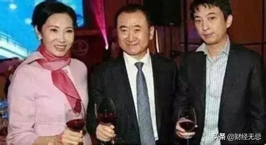 王健林海外大败局:财富缩水109亿美元,旗下最大影院破产求生