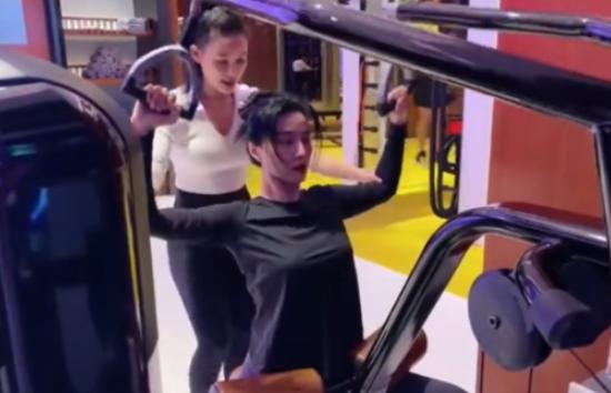 39岁范冰冰晒健身视频,曾经的好友们个个都哑声了