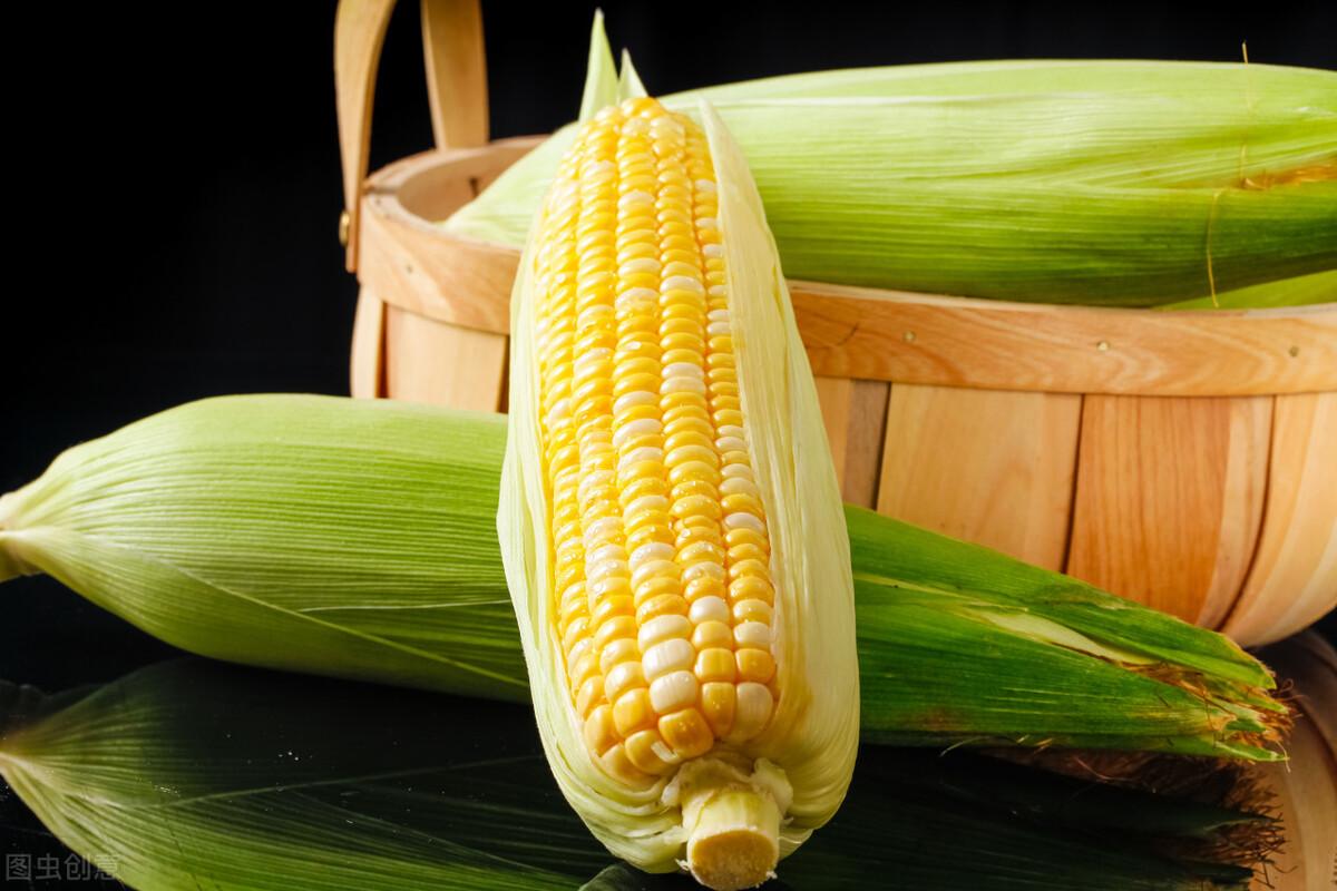 保存玉米,直接冷冻还是煮熟再冻?教你正确做法,玉米新鲜又香甜 美食做法 第5张