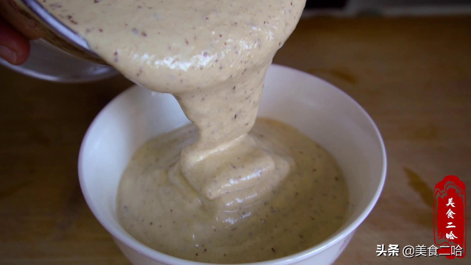 蒸发糕时,记住别用面粉酵母粉,教你快速做法,松软不粘牙