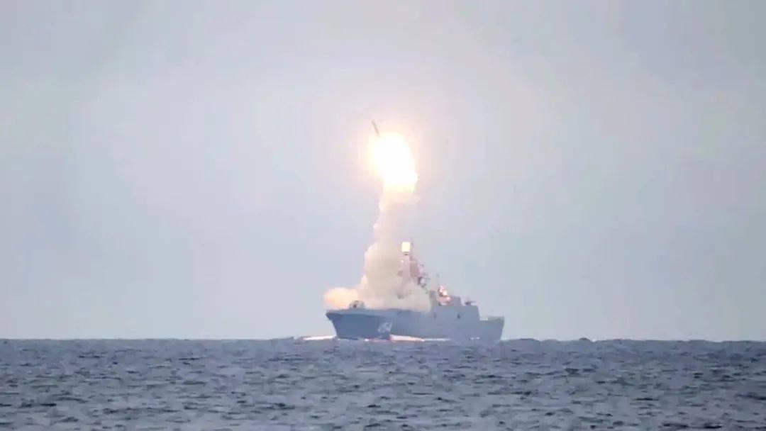 中国:骗谁?还不是因为没钱!美海军:福特级航母没用,停止采购