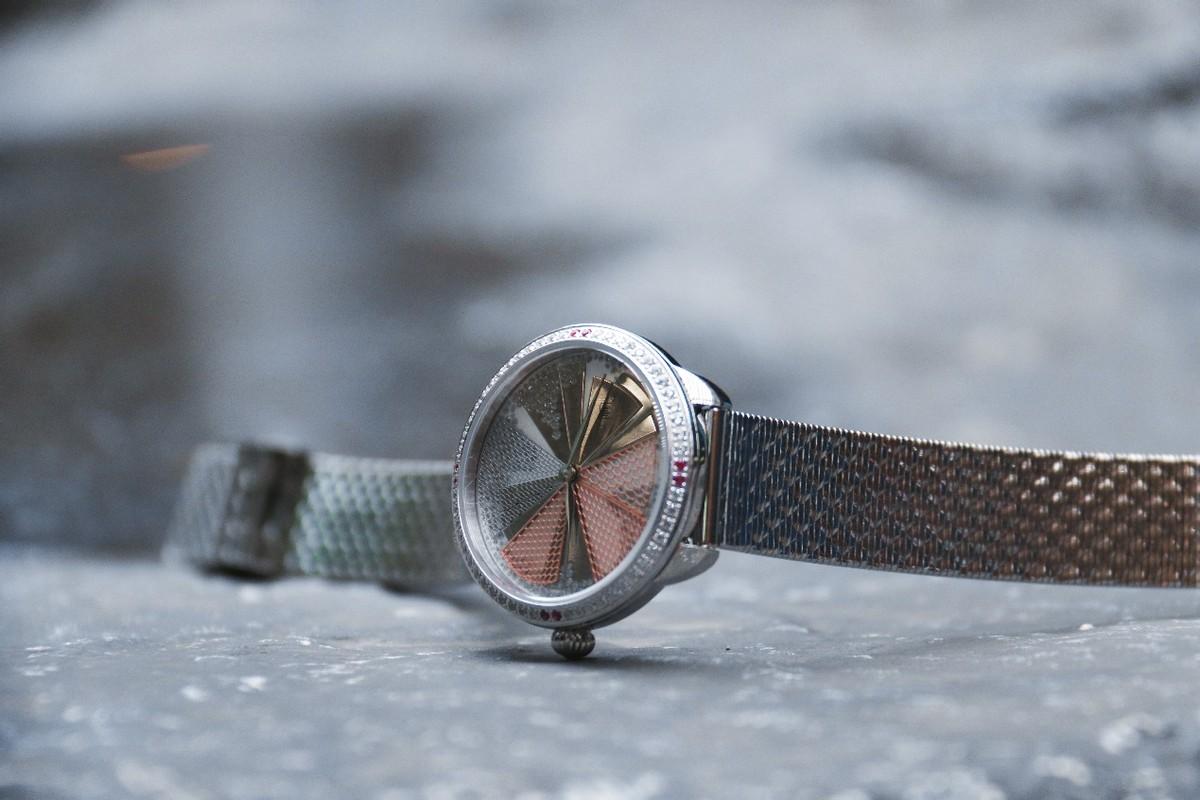 女士手表都如此美?釉上造物臻选精致手表,宛若芳华极致奢华之美