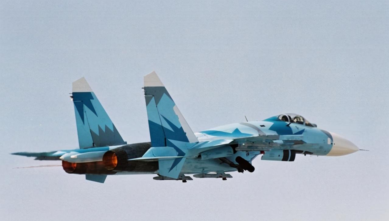 大量軍隊叛變,埃塞俄比亞空軍蘇-27戰機轟炸,炸毀叛軍彈藥庫