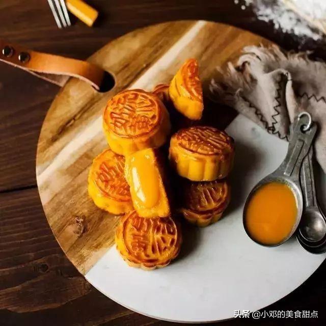 细腻香甜的金沙奶黄馅来喽,可做流心月饼、蛋黄酥、冰皮月的点心