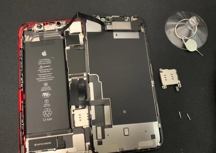 美国版iPhone XR单卡改双卡双待,也有这类实际操作!