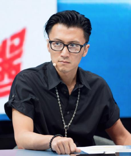 《2020中国好声音》李荣浩谢霆锋在线互怼?李宇春和李健抢人大赛