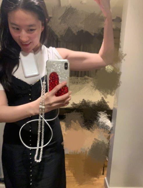 刘亦菲晒的细腰马甲线,全靠每天3分钟平板撑?