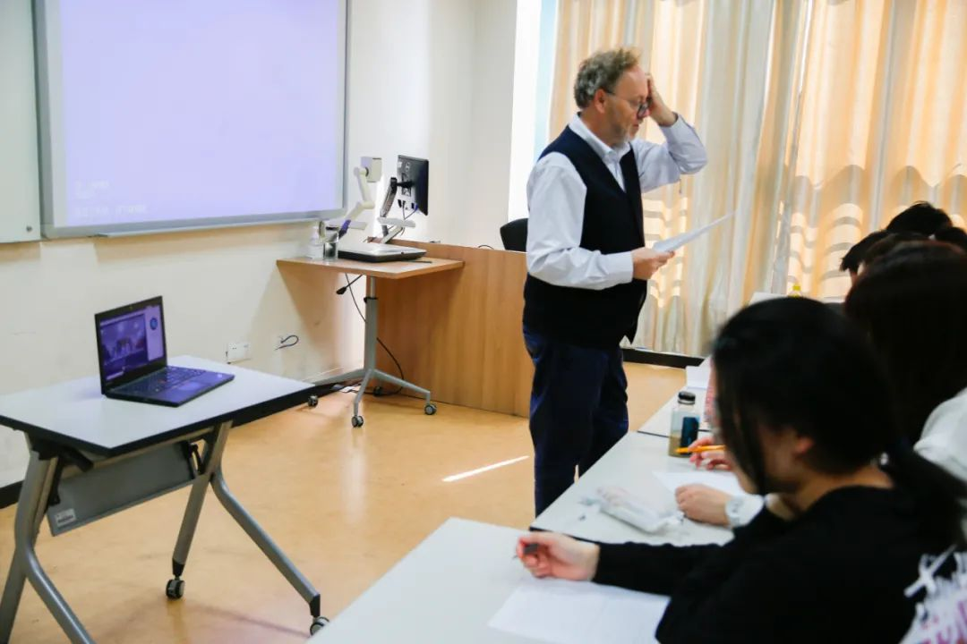 温肯紧急行动,为河北籍隔离学生专设直播课