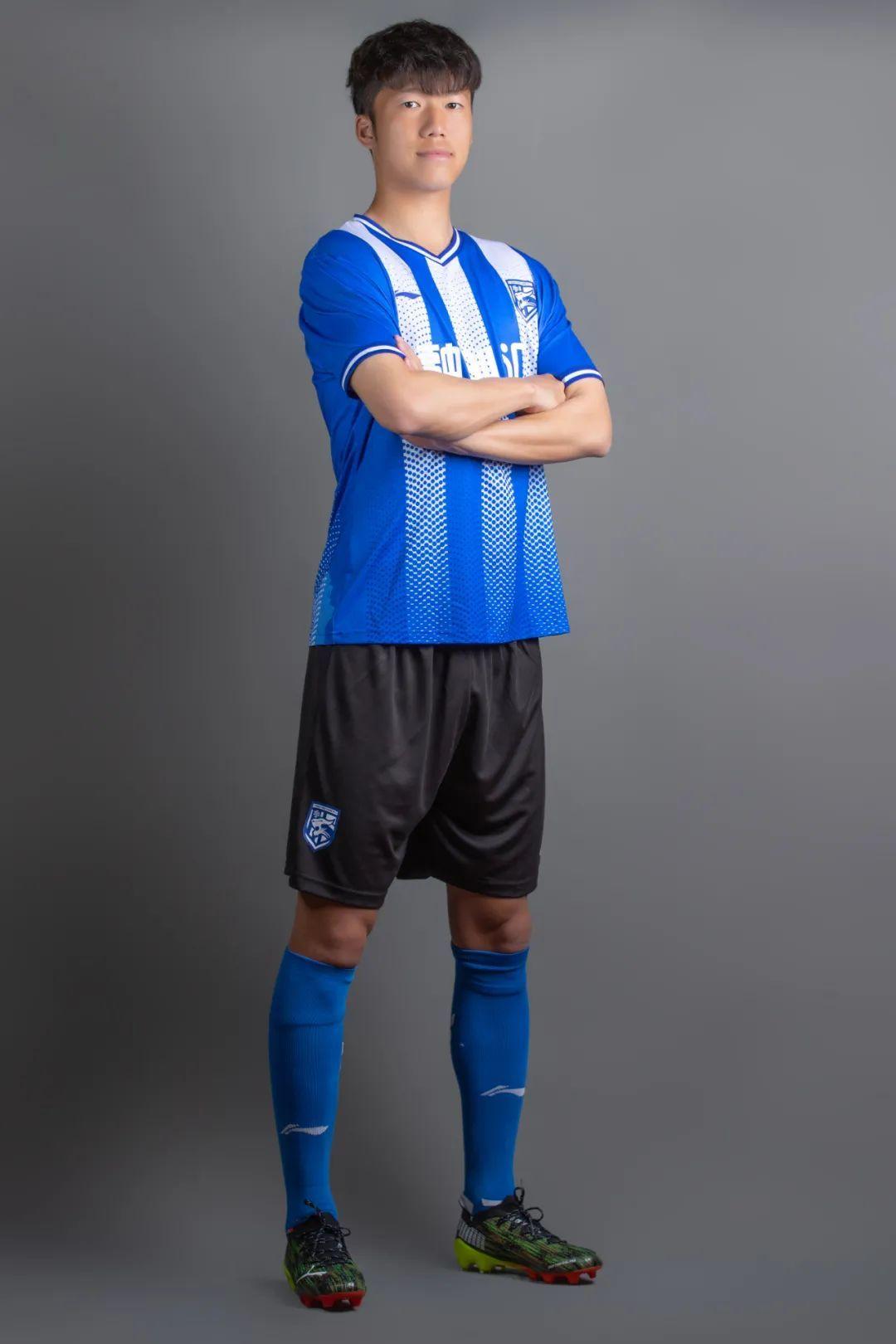 武汉三镇发布中甲新赛季球衣,有这些变化……