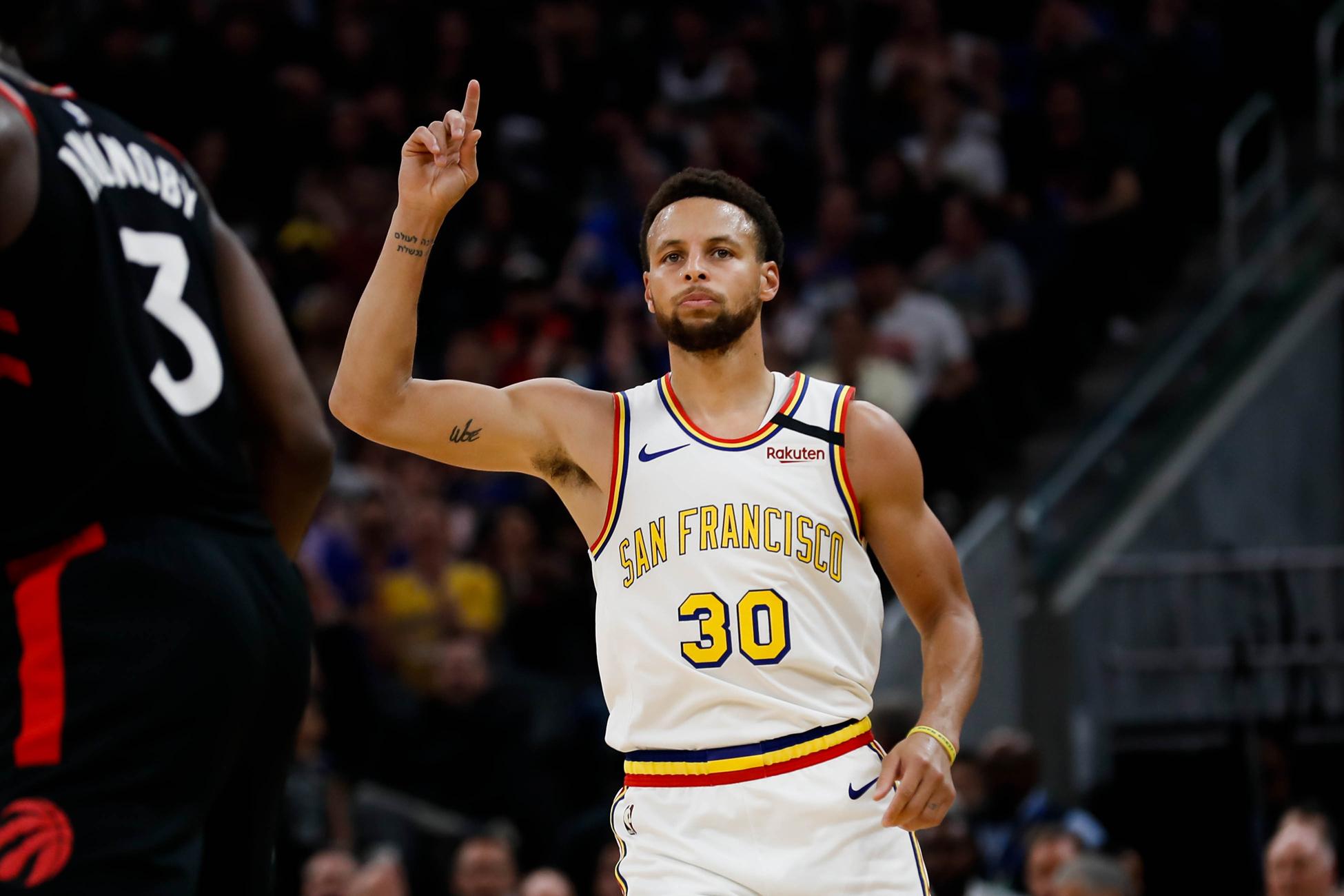 場均轟30分?名記預測Curry下賽季奪得分王,勇士會打出不輸任何球隊的進攻!