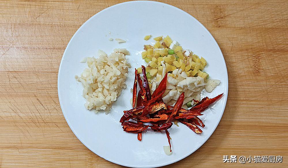 包菜炒粉条怎么做才好吃?教你1个小技巧,不坨不粘锅,味道也香 美食做法 第6张
