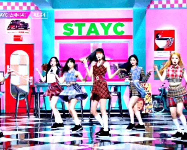 男团成员亲妹妹作为爱豆出道;STAYC领跑新一代女团?