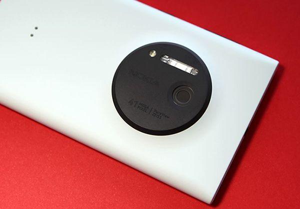 硬气改裝,手机上装单反镜头,NokiaLumia 1020忽然放量上涨