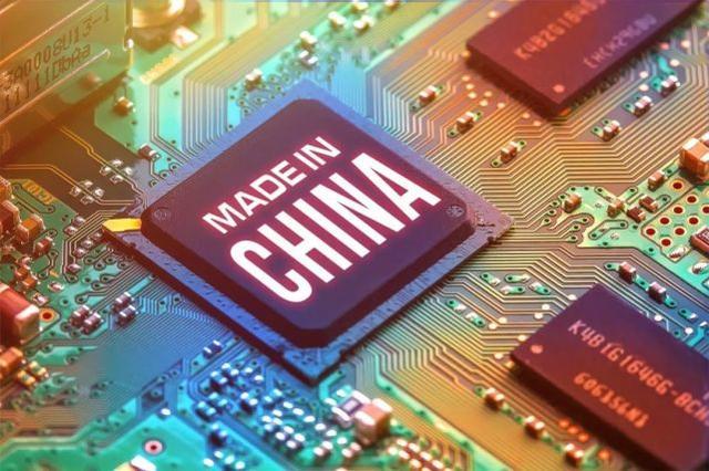 央视正式宣布,国产EUV技术大获突破,ASML总裁预言成真