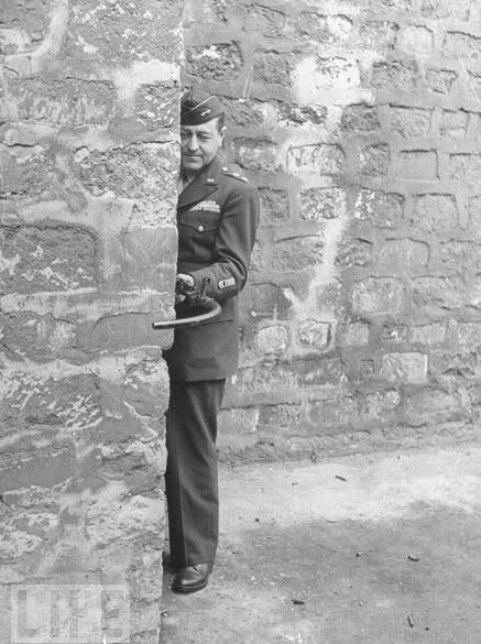 转角遇到爱,解放军新型巷战利器亮相,躲在墙后就能杀敌