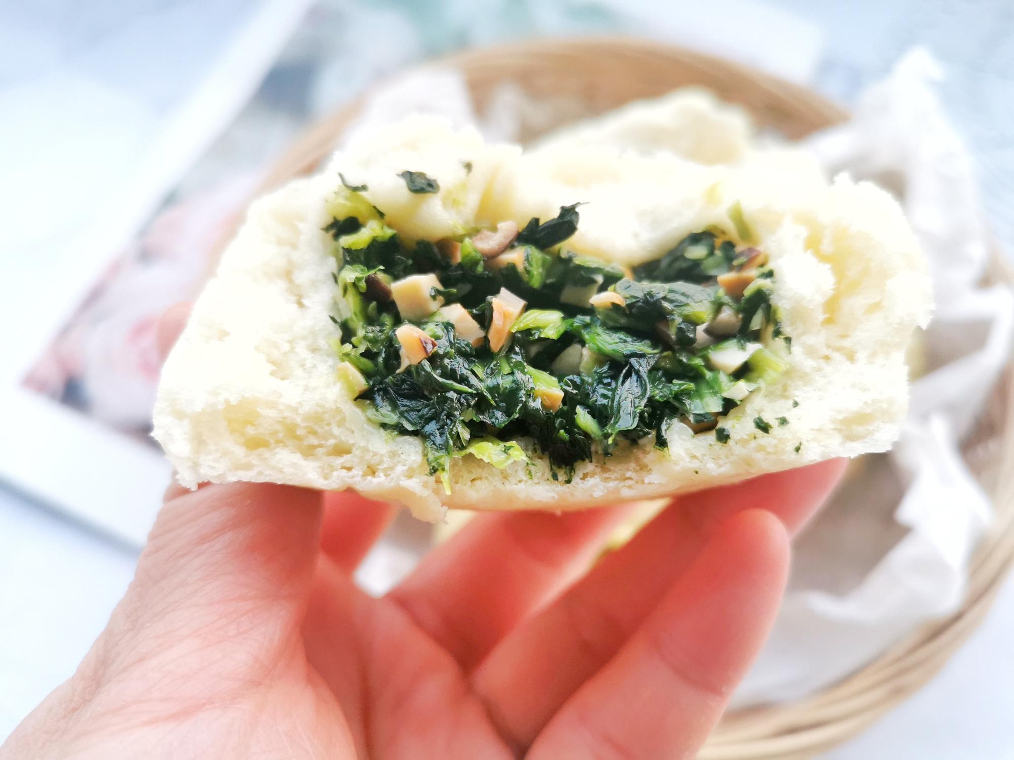 香菇青菜包子的做法,记住4点,青菜翠绿不变色,面皮宣软馅儿鲜