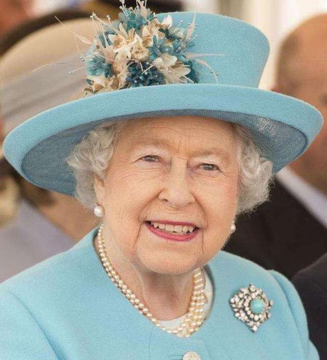 英女王保養得太好了,96歲皮膚白嫩還不長斑,護膚方法其實很簡單