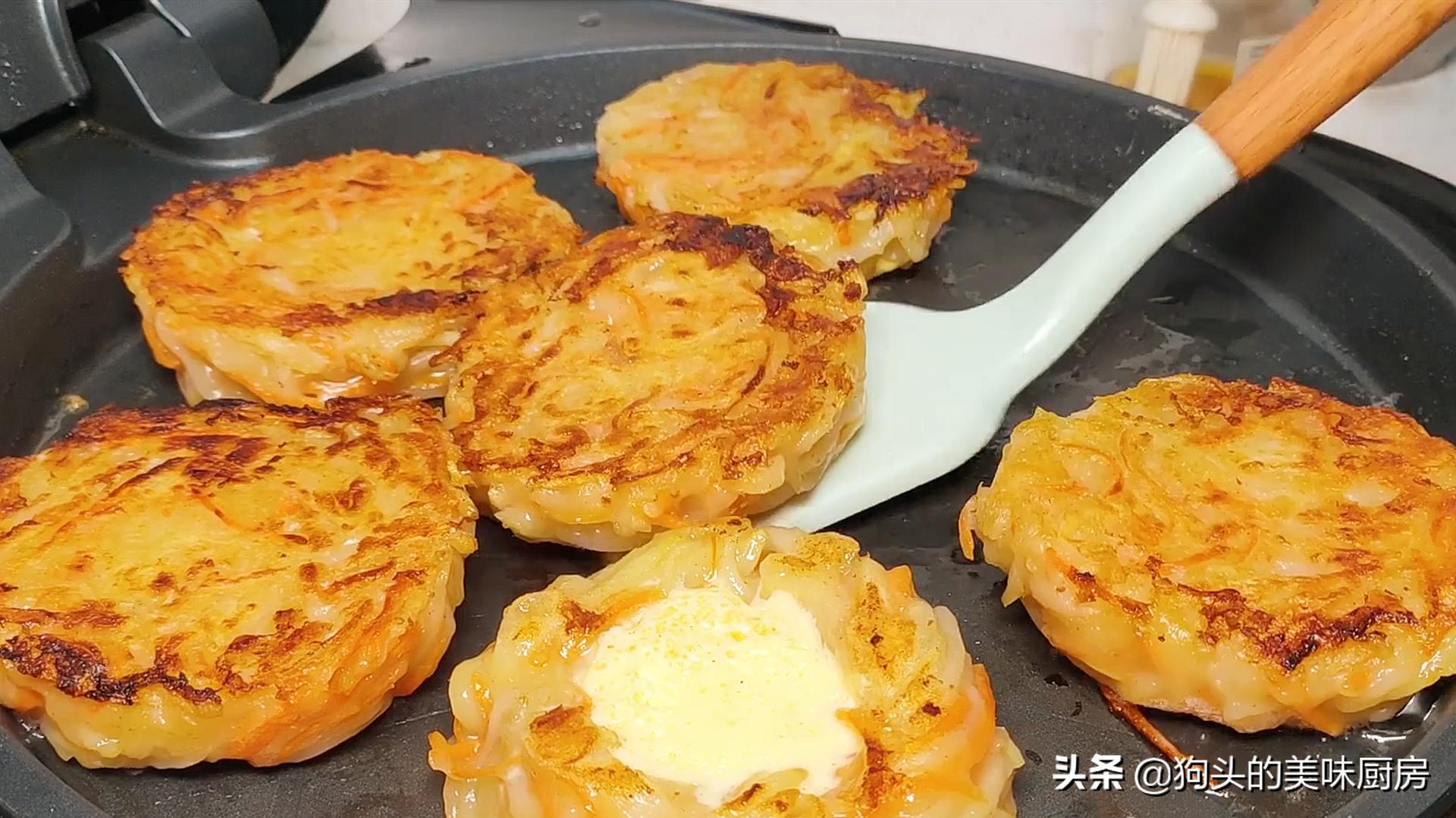 5个土豆,2个鸡蛋,教你没有吃过的做法,比肉还香,上桌就被扫光 美食做法 第13张