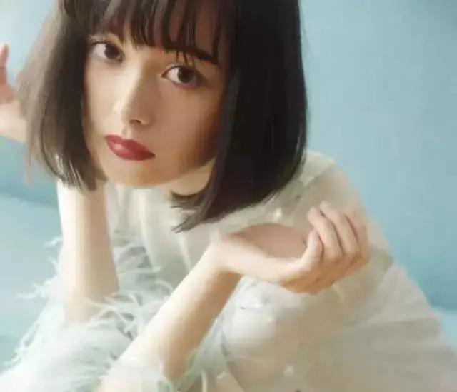 日本95后神颜混血小花太养眼了!还撞脸女神关之琳…