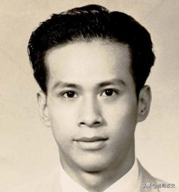 香港首富李嘉诚的奋斗史:靠舅父借的5万元港币起家