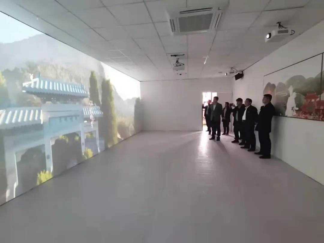 """区委统战部调研""""荟新兴枣•峄新E站""""品牌建设推进工作"""