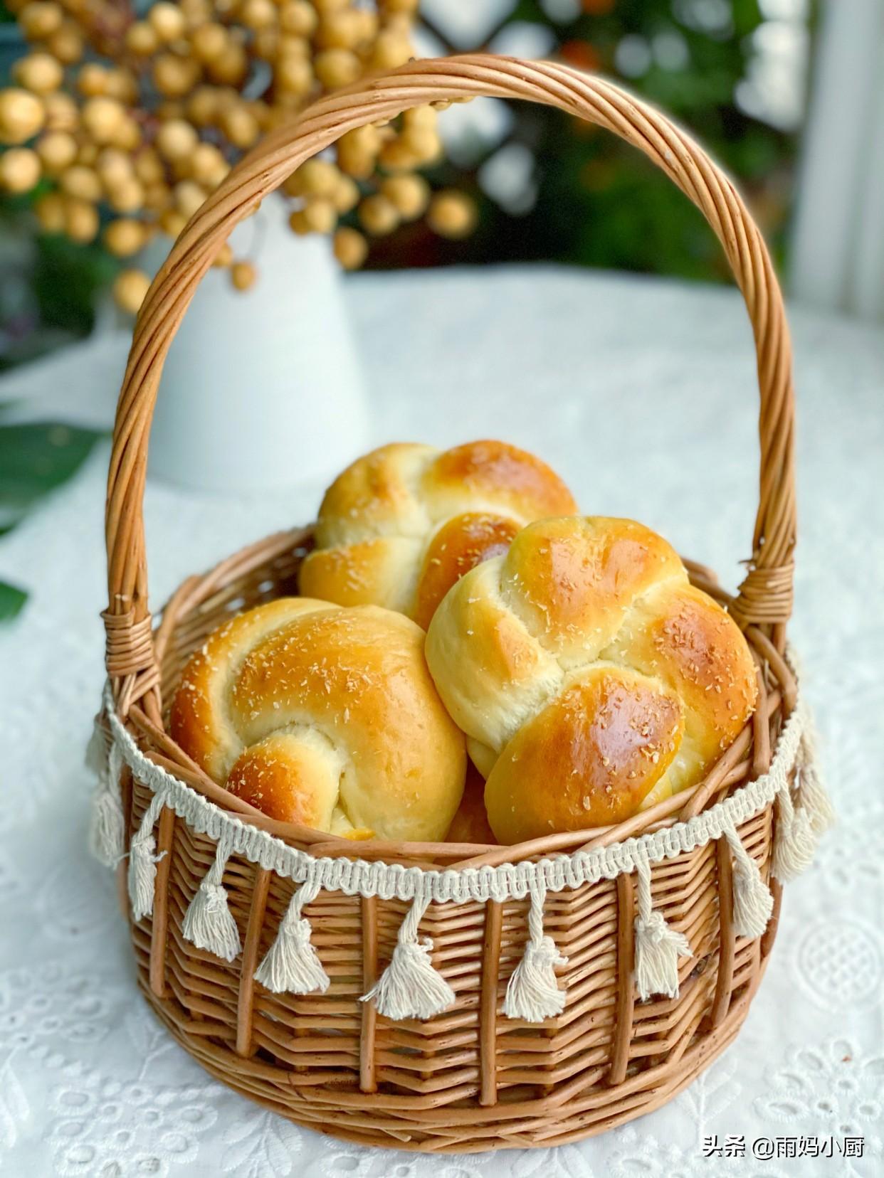 椰蓉小麵包按這個配方做,鬆軟拉絲又美味,零難度新手一次成功