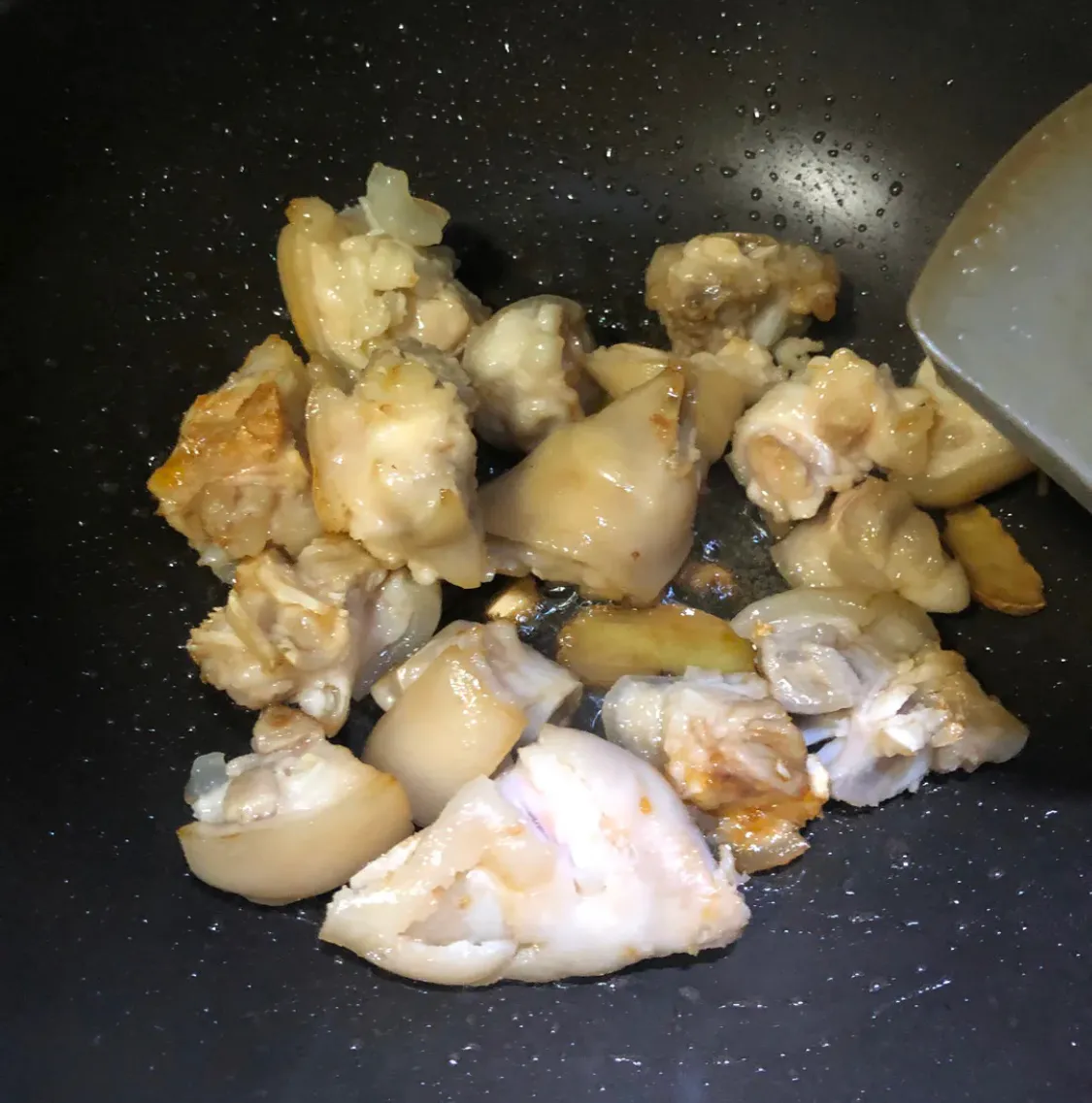 人见人爱的黄豆炖猪蹄,超简单 美食做法 第6张