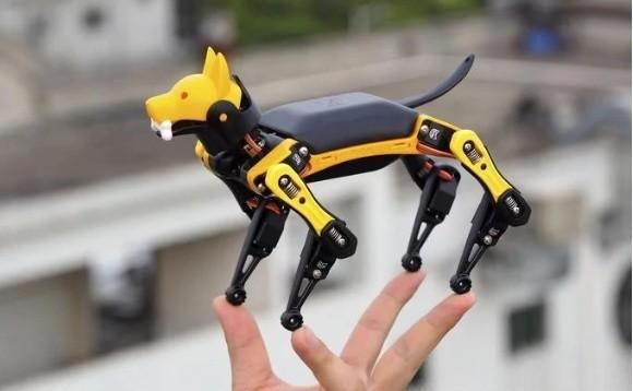 Petoi Bittle:一只可以装进上衣口袋的机器狗