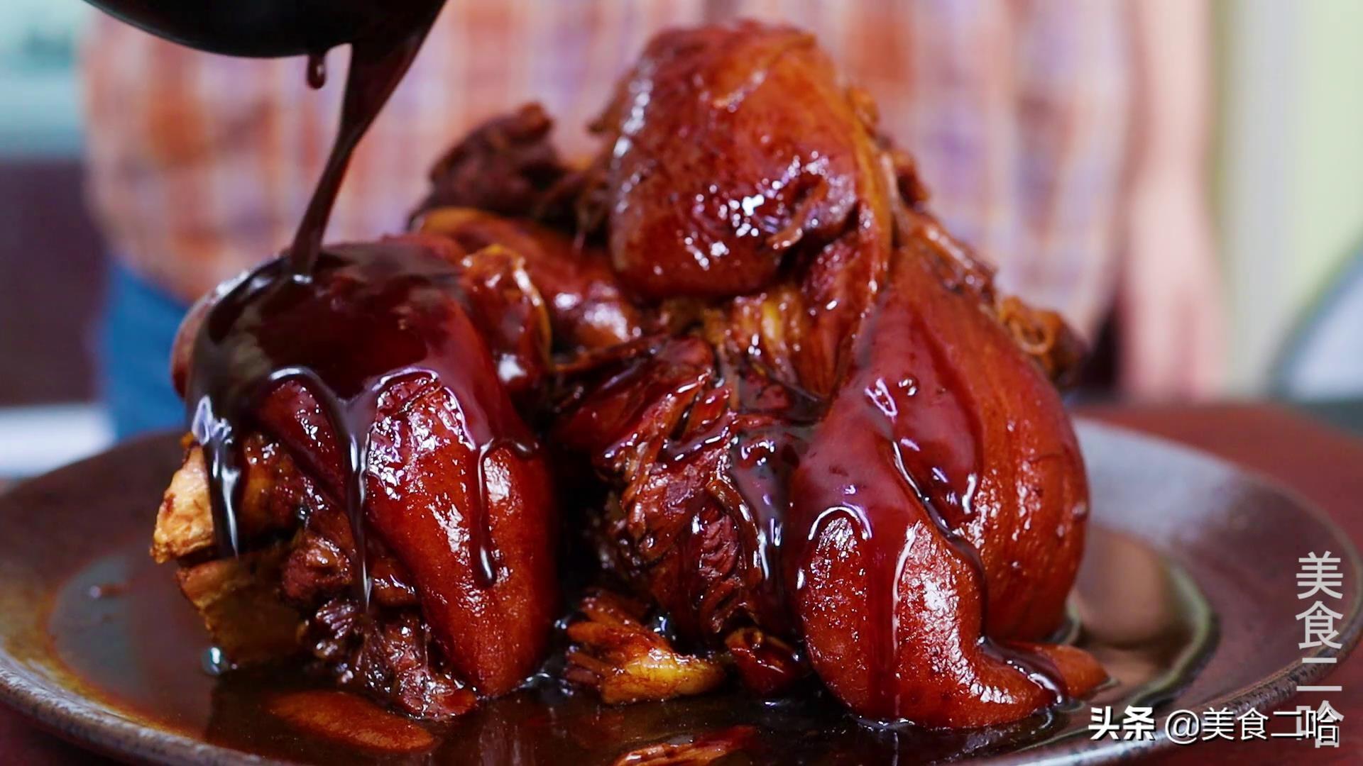 """学会这道""""冰糖肘子"""":软烂入味,肥而不腻,招待客人倍有面儿 美食做法 第12张"""