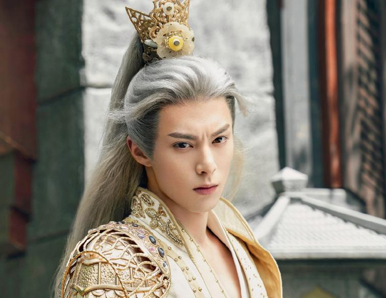 《遇龙》晒演员定妆照,王鹤棣白发帅气,演员阵容爱了爱了