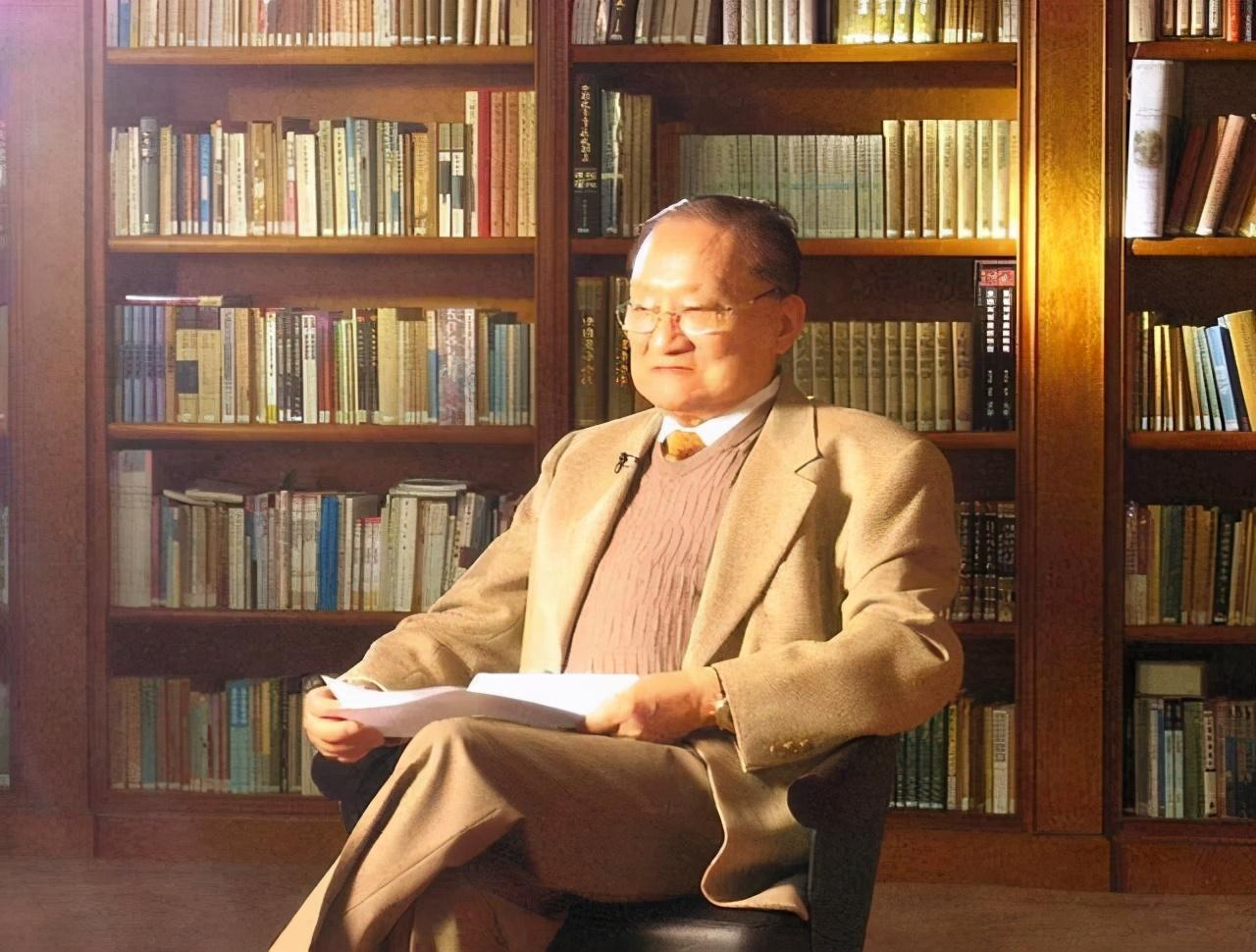 金庸一生创作15部小说,古龙多达七十余部,为何却无法超越金庸