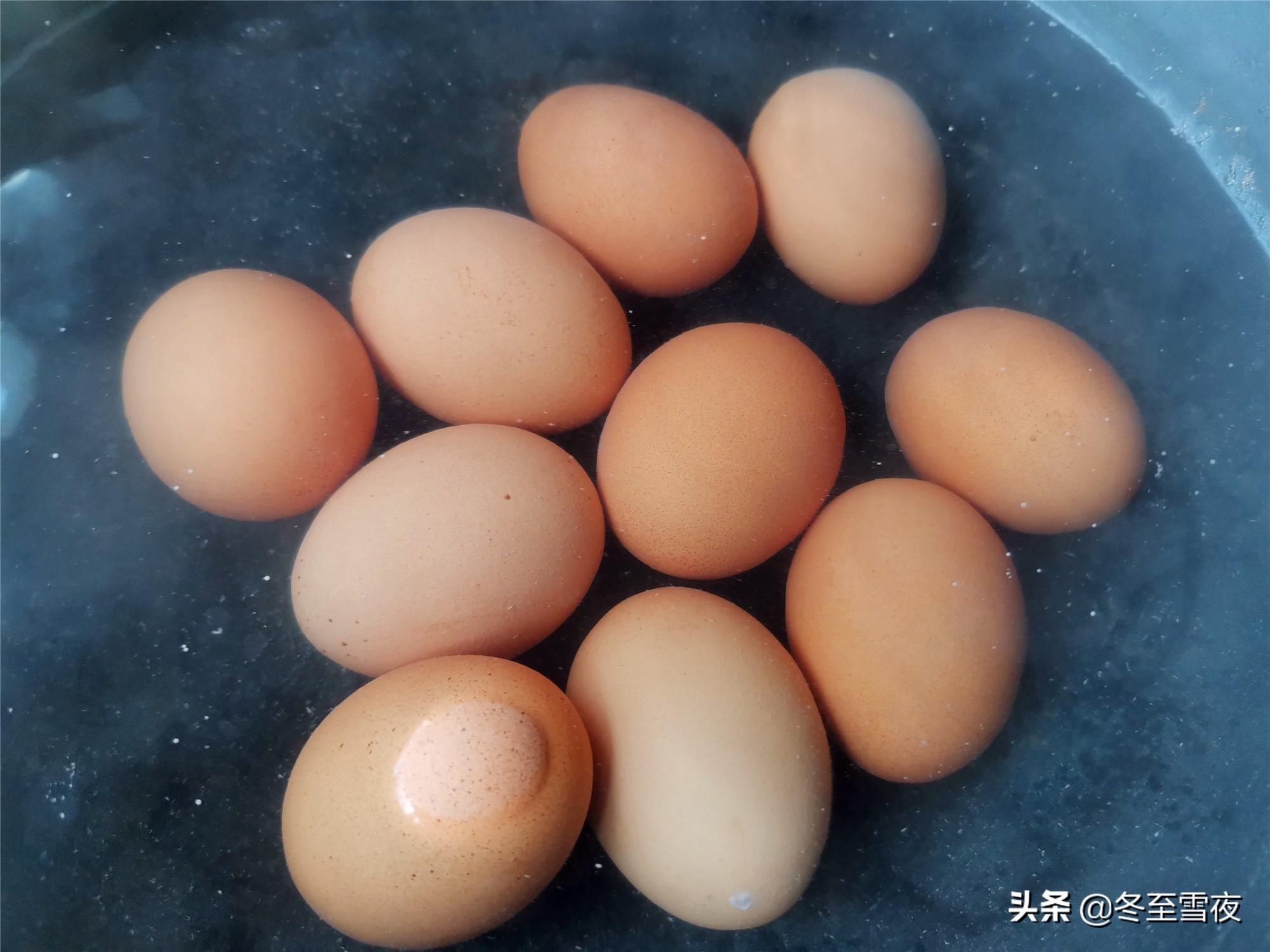 """教你在家做""""乡巴佬""""卤蛋,一滴水也不放,这个调料不能少 美食做法 第4张"""