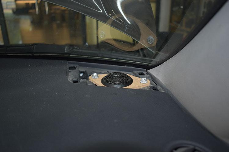 丰田汉兰达汽车隔音改装 享受安静用车环境
