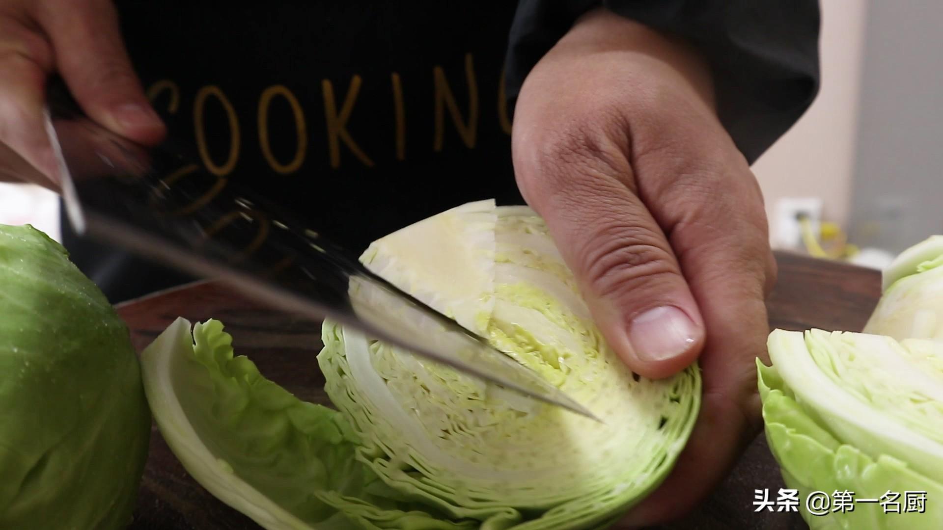 难怪饭店的手撕包菜好吃?原来是用了这些小技巧,看完终于明白了 美食做法 第2张