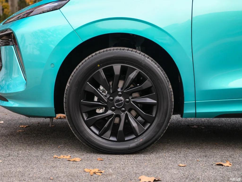 19英寸熏黑轮圈+四出排气,东风风行T5 EVO,下月预售