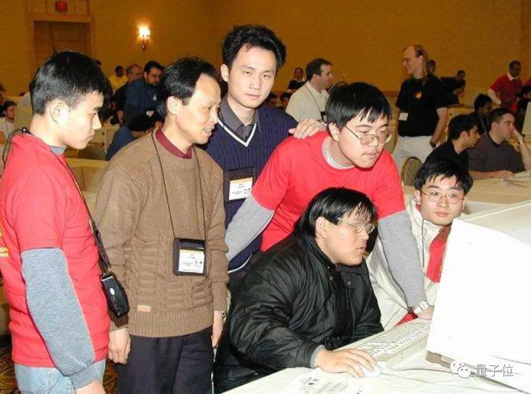 他让张一鸣登门请教,培养出戴文渊李沐陈天奇,创建上交大ACM班