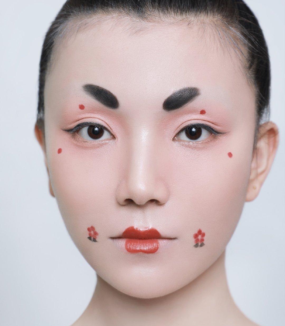 细数唐朝各个不同阶段的妆容,初唐娇俏,盛唐精致,晚唐的有点丑